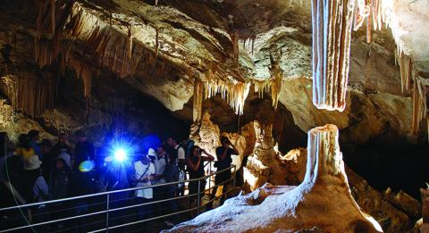 Jenolan Caves, Australias most spectacular caves